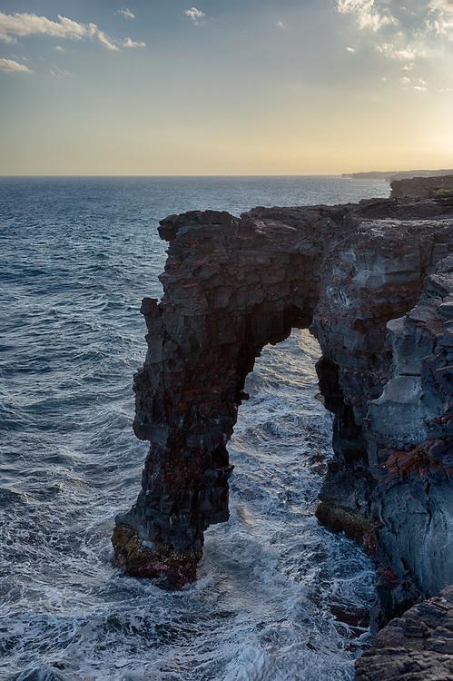 Holei Sea Arch, Hawaii Volcanoes National Park