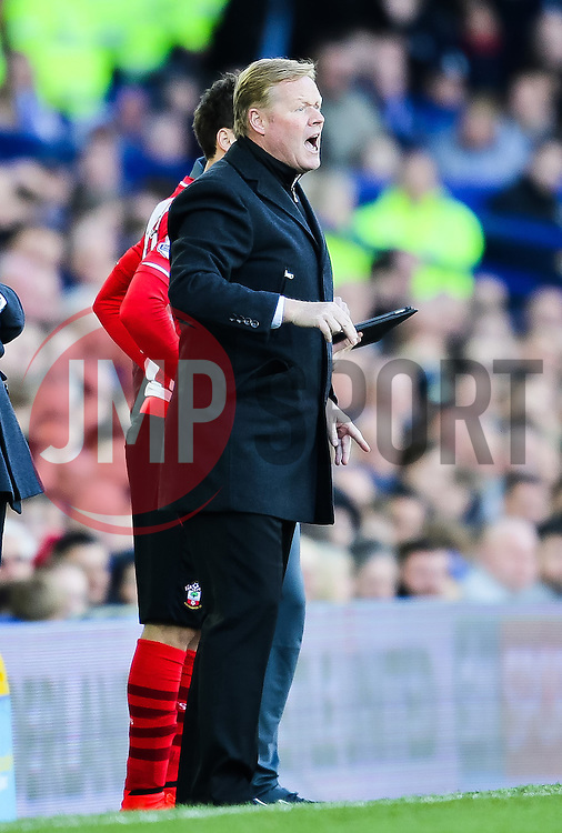 Southampton Manager, Ronald Koeman shouts instructions to his players - Photo mandatory by-line: Matt McNulty/JMP - Mobile: 07966 386802 - 04/04/2015 - SPORT - Football - Liverpool - Goodison Park - Everton v Southampton - Barclays Premier League