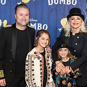 NLD/Amsterdams/20190326 - Filmpremiere Dumbo, Dennis Weening, partner Stella Maasen en kinderen