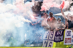 07.08.2016, Alois Latini Stadion, Zell am See, AUT, Testspiel, Schalke 04 vs ACF Fiorentina, im Bild Fans von Fiorentina mit bengalischen Fackeln und Rauchbomben // Fiorentina Supporters during the International Friendly Football Match between Schalke 04 and ACF Fiorentina at the Alois Latini Stadium in Zell am See, Austria on 2016/08/07. EXPA Pictures © 2016, PhotoCredit: EXPA/ JFK