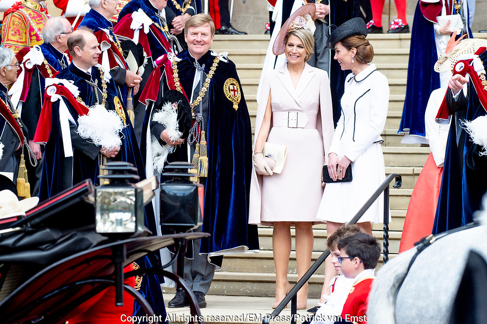 "Koning Willem Alexander wordt door Hare Majesteit Koningin Elizabeth II geïnstalleerd in de 'Most Noble Order of the Garter'. Tijdens een jaarlijkse ceremonie in St. Georgekapel, Windsor Castle, wordt hij geïnstalleerd als 'Supernumerary Knight of the Garter'.<br /> <br /> King Willem Alexander is installed by Her Majesty Queen Elizabeth II in the ""Most Noble Order of the Garter"". During an annual ceremony in St. George's Chapel, Windsor Castle, he is installed as ""Supernumerary Knight of the Garter"".<br /> <br /> Op de foto / On the photo:  Koning Willem Alexander en Koningin Maxima met Hertog William van Cambridge en Catherine, hertogin van Cambridge<br /> <br /> King Willem Alexander and Queen Maxima with Duke William of Cambridge and Catherine, Duchess of Cambridge"