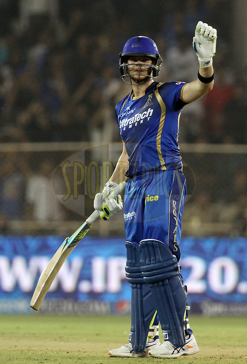 Rajasthan Royals captain Steven Smith waves towards the pavilion after he broke his bat during match 9 of the Pepsi IPL 2015 (Indian Premier League) between The Rajasthan Royals and The Mumbai Indians held at the Sardar Patel Stadium in Ahmedabad , India on the 14th April 2015.<br /> <br /> Photo by:  Vipin Pawar / SPORTZPICS / IPL