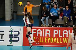 20180110 NED: CEV CUP Sliedrecht Sport - Beziers Angels VB: Sliedrecht<br />Fleur Savelkoel (6) of Sliedrecht Sport <br />©2018-FotoHoogendoorn.nl / Pim Waslander
