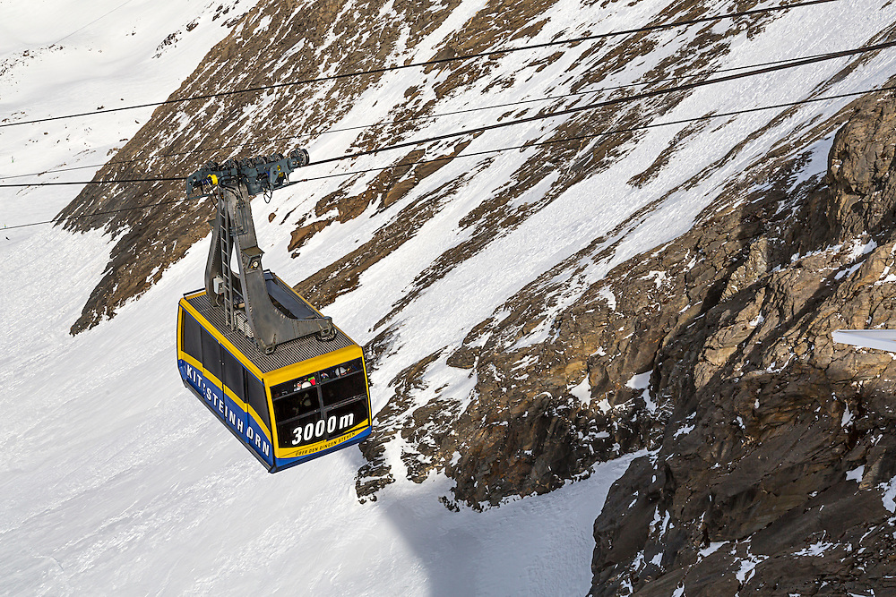 A cable car travelling above the glacier to the top of the Kitzsteinhorn Mountain at 3029m in the Austrian Alps. The Kitzsteinhorn is a major skiing area close to Zell Am See offering an extended skiing season due to its high altitude.