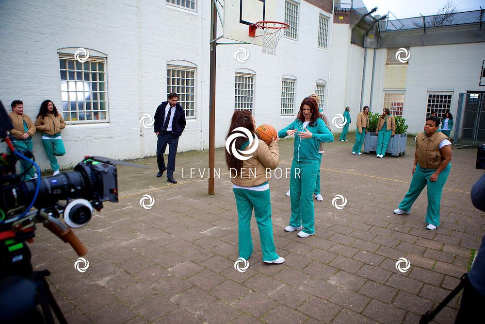 ALKMAAR - In een oude gevangenis zijn de tv opnames van de nieuwe SBS6 tv serie 'Celblok H'. Met hier op de foto  Isa Hoes. FOTO LEVIN DEN BOER - PERSFOTO.NU