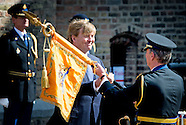King Willem Alexander presented Wednesday April 8 at the Binnenhof in The Hague a standard to p