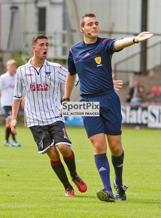 Dunfermline Athletic v Brechin City SPFL League One East End Park 09 August 2014<br /> <br /> Shaun Byrne argues with Referee Euan Anderson<br /> <br /> CRAIG BROWN | sportPix.org.uk