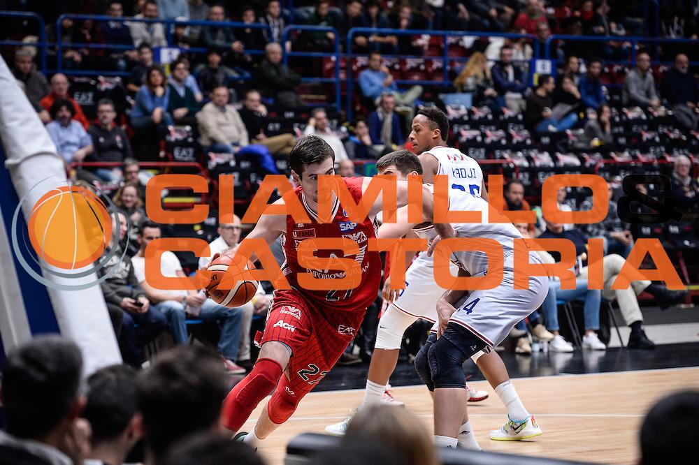 DESCRIZIONE : Milano Lega A 2015-16 <br /> GIOCATORE : Stanko Barac<br /> CATEGORIA : Palleggio<br /> SQUADRA : Olimpia EA7 Emporio Armani Milano<br /> EVENTO : Campionato Lega A 2015-2016<br /> GARA : Olimpia EA7 Emporio Armani Milano Enel Brindisi<br /> DATA : 20/12/2015<br /> SPORT : Pallacanestro<br /> AUTORE : Agenzia Ciamillo-Castoria/M.Ozbot<br /> Galleria : Lega Basket A 2015-2016 <br /> Fotonotizia: Milano Lega A 2015-16