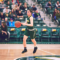 4th year guard, Avery Pearce (4) of the Regina Cougars during the Women's Basketball Home Game on Sat Dec 01 at Centre for Kinesiology,Health and Sport. Credit: Arthur Ward/Arthur Images