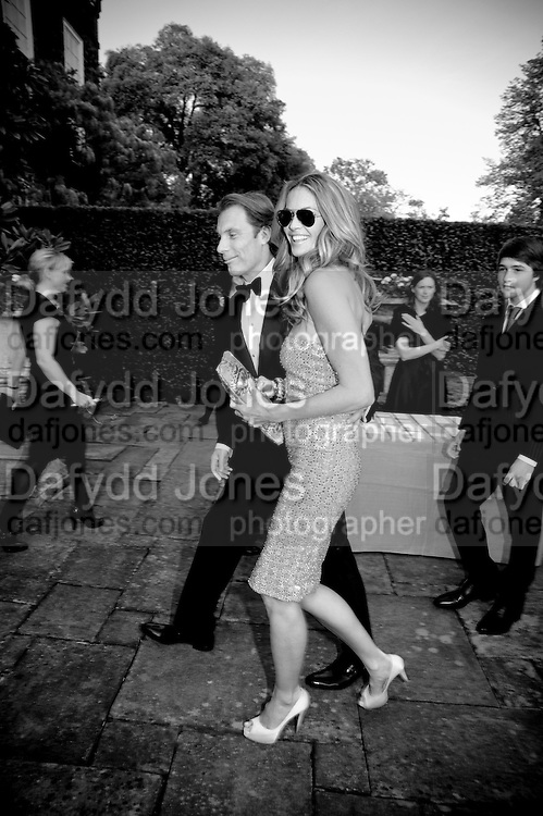 DAMIAN ASPINALL; ELLE MACPHERSON, The Ormeley dinner in aid of the Ecology Trust and the Aspinall Foundation. Ormeley Lodge. Richmond. London. 29 April 2009