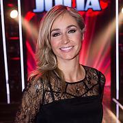 NLD/Hilversum/20131220 - Finale The Voice of Holland 2013, presentatrice Wendy van Dijk