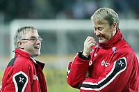 Fotball / Soccer<br /> Play off VM 2006 / Play off World Champio0nships 2006<br /> Tsjekkia v Norge 1-0<br /> Czech Republic v Norway 1-0<br /> Agg: 2-0<br /> 16.11.2005<br /> Foto: Morten Olsen, Digitalsport<br /> <br /> Norwegian coach Åge Hareide (L) and Øyvind Larsen