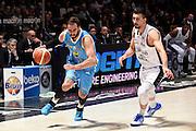 DESCRIZIONE : Bologna Lega A 2015-2016 Obiettivo Lavoro Bologna Vanoli Cremona<br /> GIOCATORE : Nikola Dragovic<br /> CATEGORIA : palleggio penetrazione<br /> SQUADRA : Vanoli Cremona<br /> EVENTO : Campionato Lega A 2015-2016<br /> GARA : Obiettivo Lavoro Bologna Vanoli Cremona<br /> DATA : 26/03/2016<br /> SPORT : Pallacanestro<br /> AUTORE : Agenzia Ciamillo-Castoria/Max.Ceretti<br /> GALLERIA : Lega Basket A 2014-2015<br /> FOTONOTIZIA : Bologna Lega A 2015-2016 Obiettivo Lavoro Bologna Vanoli Cremona<br /> PREDEFINITA :