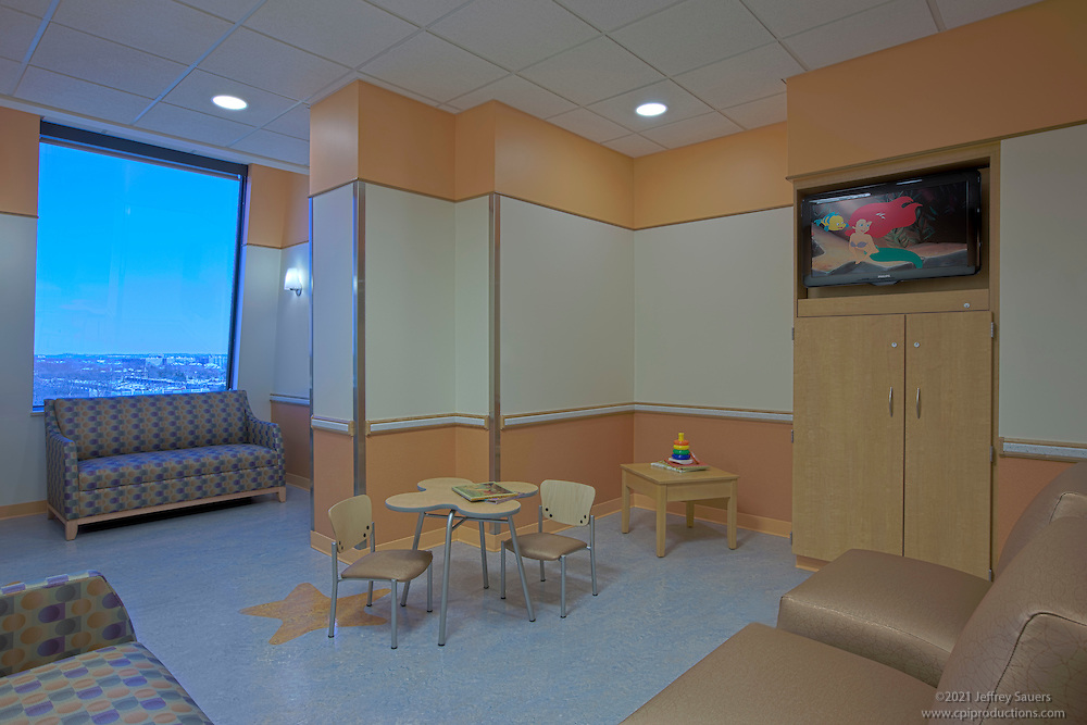 Washington DC Architectural Interior of the Children's National Medical Center 7th floor built by Hitt Contracting, photography by Jeffrey Sauers of Commercial Photographics