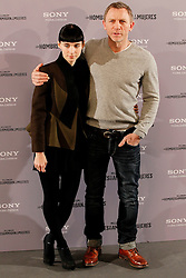 """04.01.2012, Villamagna Hotel, Madrid, ESP, Fototermin Filmpremiere, Verblendung, im Bild Actress Rooney Mara and actor Daniel Craig attend (Los Hombres Que No Amaban A Las Mujeres) // during photocall for the movie """"The Girl With The Dragon Tatoo"""" at Hotel Villamagna, Madrid, Spain on 2012/01/04. EXPA Pictures © 2012, PhotoCredit: EXPA/ Alterphotos/ Alfaqui/ Miguel Cordoba..***** ATTENTION - OUT OF ESP and SUI *****"""