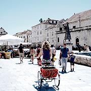 Old city of Hvar  | Vieille ville de Hvar