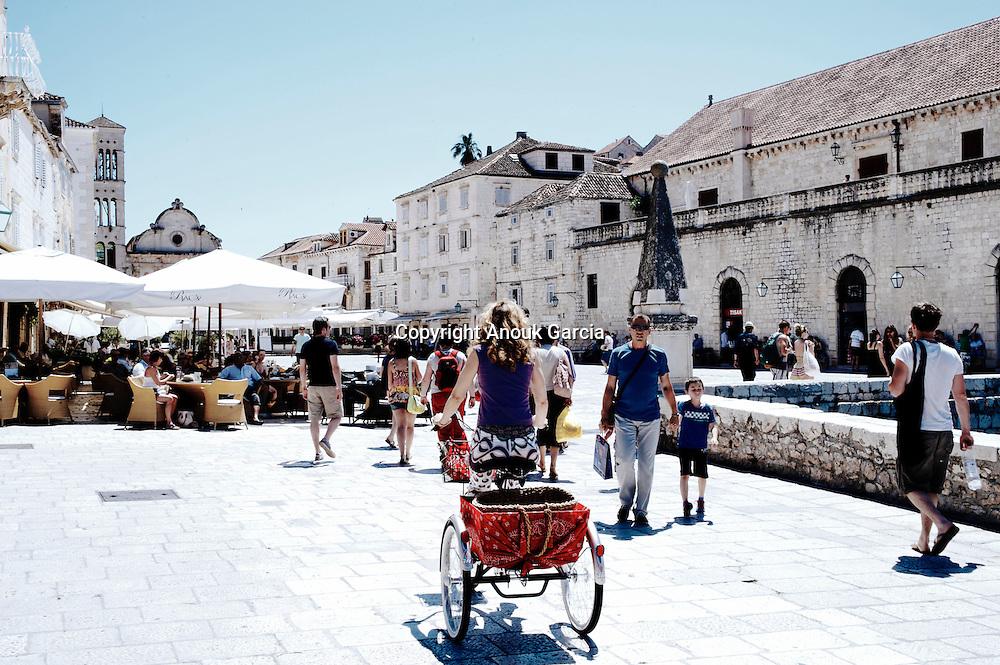 Old city of Hvar    Vieille ville de Hvar