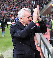 Crystal Palace Manager Alan Pardew before the Barclays Premier League match between Crystal Palace and Chelsea at Selhurst Park, London, England on 3 January 2016. Photo by Ken Sparks.