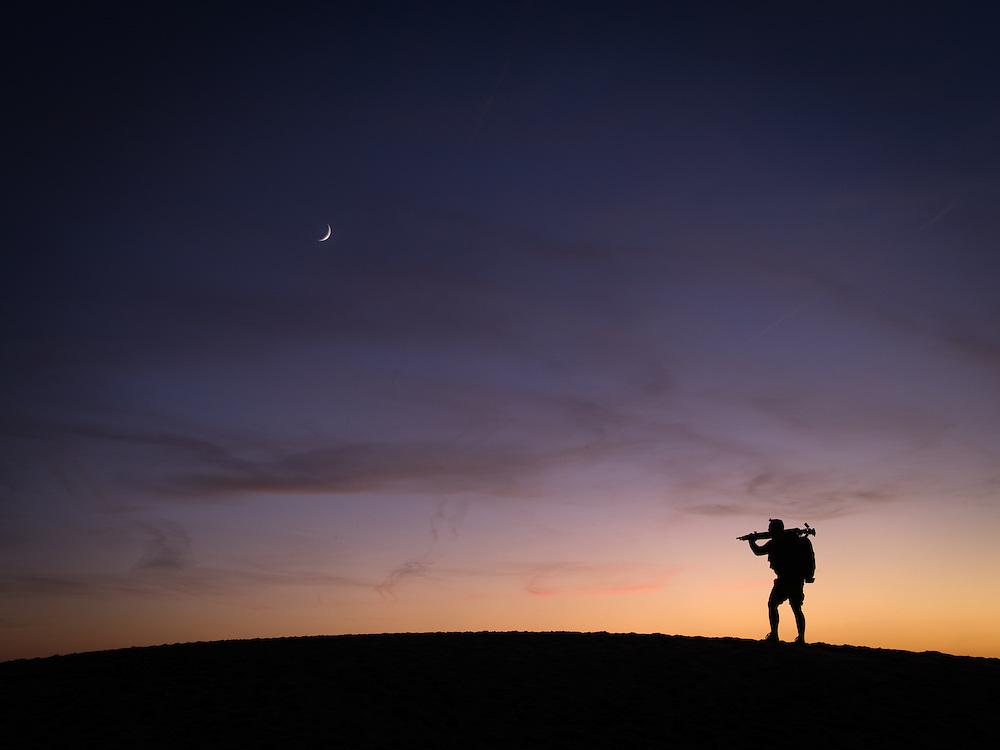 BASSIN D'ARCACHON - DUNE DE PILAT - Photographe arpentant la Dune de Pilat à la recherche d'une belle lumière.