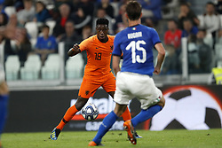 (l-r) Quincy Promes of Holland, Daniele Rugani of Italy during the International friendly match between Italy and The Netherlands at Allianz Stadium on June 04, 2018 in Turin, Italy
