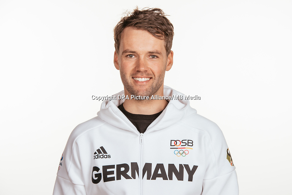 Philipp Buhl poses at a photocall during the preparations for the Olympic Games in Rio at the Emmich Cambrai Barracks in Hanover, Germany, taken on 20/07/16 | usage worldwide