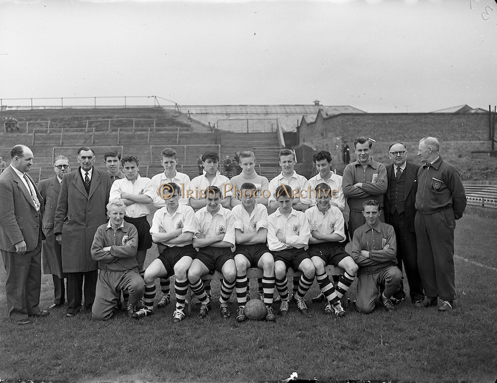 24/05/1958<br /> 05/24/1958<br /> 24 May 1958<br /> Soccer, Schoolboy International: England v Ireland at Dalymount Park, Dublin. The English team.
