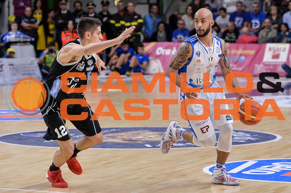 DESCRIZIONE : Campionato 2015/16 Serie A Beko Dinamo Banco di Sardegna Sassari - Dolomiti Energia Trento<br /> GIOCATORE : David Logan<br /> CATEGORIA : Palleggio<br /> SQUADRA : Dinamo Banco di Sardegna Sassari<br /> EVENTO : LegaBasket Serie A Beko 2015/2016<br /> GARA : Dinamo Banco di Sardegna Sassari - Dolomiti Energia Trento<br /> DATA : 06/12/2015<br /> SPORT : Pallacanestro <br /> AUTORE : Agenzia Ciamillo-Castoria/L.Canu