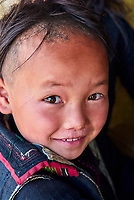 Vietnam. haut Tonkin. Region de Sapa. Enfant d'ethnic Hmong Noir. // Vietnam. North Vietnam. Sapa area. Children from Black Hmong ethnic group.