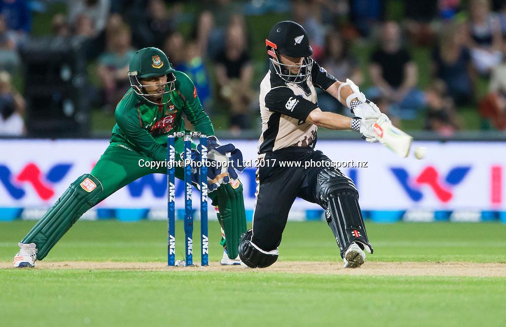 New Zealand's captain Kane Williamson scores his 1000th T20 runs.  New Zealand Blackcaps v Bangladesh, International Cricket, 1st T20, McLean Park, Napier, New Zealand. Tuesday, 03 January, 2017. Copyright photo: John Cowpland / www.photosport.nz