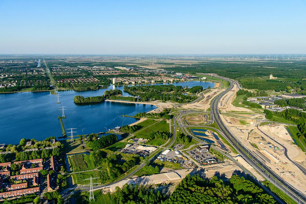 Nederland, Flevoland, Almere Stad, 07-05-2018; Weerwater, lokatie voor de Floriade van 2022, langs de A6 en op de eilanden in het Weerwater.<br /> Location for the Floriade of 2022, along the A6 and on the islands in the Weerwater.<br /> <br /> luchtfoto (toeslag op standard tarieven);<br /> aerial photo (additional fee required);<br /> copyright foto/photo Siebe Swart