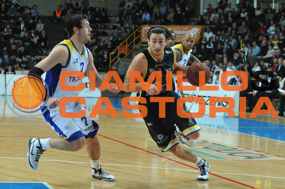 DESCRIZIONE : Verona Lega Basket A2 2010-11 Tezenis Verona Sunrise Scafati<br /> GIOCATORE : Patrick Baldassarre<br /> SQUADRA : Tezenis Verona Sunrise Scafati<br /> EVENTO : Campionato Lega A2 2010-2011<br /> GARA : Tezenis Verona Sunrise Scafati<br /> DATA : 08/01/2011<br /> CATEGORIA : Palleggio<br /> SPORT : Pallacanestro <br /> AUTORE : Agenzia Ciamillo-Castoria/M.Gregolin<br /> Galleria : Lega Basket A2 2010-2011 <br /> Fotonotizia : Verona Lega A2 2010-11 Tezenis Verona Sunrise Scafati<br /> Predefinita :