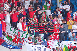 OSLO, NORWAY - Wednesday, September 5, 2001: Wales supporters during the FIFA World Cup 2002 Qualifying Group 5 match against Norway at the Ullevaal Stadion. (Pic by David Rawcliffe/Propaganda)