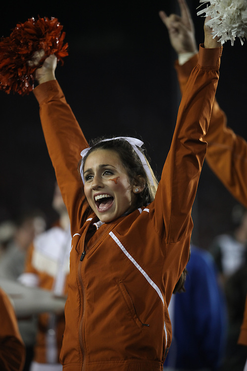 PASADENA,CA - JANUARY 07: Cheerleaders of the Texas Longhorns cheer against the Alabama Crimson Tide. The Crimson Tide defeated the Longhorns 37-21 in the Citi BCS National Championship game on January 7, 2010 at the Rose Bowl in Pasadena, CA.  Photo by Tom Hauck. PLAYER:PLAYER