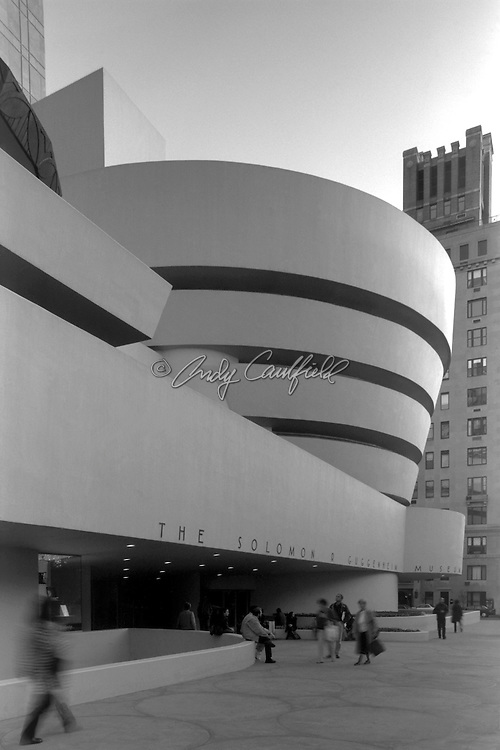 Solomon R. Guggenheim Museum of New York, Frank Lloyd Wright, Architect (1959). Day exterior in black and white, New York City. Located at 1071 Fifth Ave..