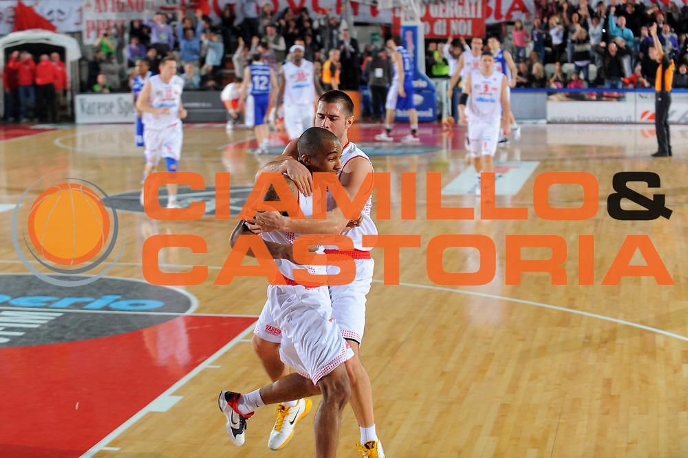 DESCRIZIONE : Varese Lega A 2010-11 Cimberio Varese Bennet Cantu<br /> GIOCATORE : Phil Goss<br /> SQUADRA : Cimberio Varese<br /> EVENTO : Campionato Lega A 2010-2011<br /> GARA : Cimberio Varese Bennet Cantu<br /> DATA : 16/01/2011<br /> CATEGORIA : Ritratto Esultanza<br /> SPORT : Pallacanestro<br /> AUTORE : Agenzia Ciamillo-Castoria/A.Dealberto<br /> Galleria : Lega Basket A 2010-2011<br /> Fotonotizia : Varese Lega A 2010-11Cimberio Varese Bennet Cantu<br /> Predefinita :