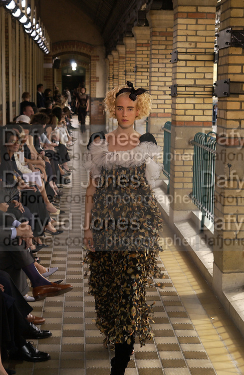 Chanel Haute Couture. Lycee Buffon. Paris. 10 July 2001. © Copyright Photograph by Dafydd Jones 66 Stockwell Park Rd. London SW9 0DA Tel 020 7733 0108 www.dafjones.com