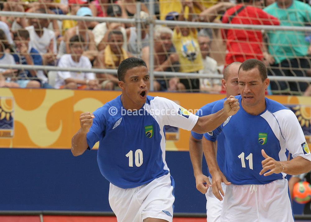 Footbal-FIFA Beach Soccer World Cup 2006 -  Open Oficial Games BRA x POL -Benjamin#10 this celebrate goal -  Rio de Janeiro and the BURU#11 , Brazil - 03/11/2006.<br />Mandatory Credit: FIFA/Ricardo Ayres