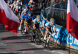 27.09.2018, Innsbruck, AUT, UCI Straßenrad WM 2018, Straßenrennen, Junioren, von Kufstein nach Innsbruck (138,4 km), im Bild Remco Evenepoel (BEL, 1. Platz, Goldmedaille) Mitte // gold medalist and world champion Remco Evenepoel of Belgium during the road race of the Junior Men from Kufstein to Innsbruck (138,4 km) of the UCI Road World Championships 2018. Innsbruck, Austria on 2018/09/27. EXPA Pictures © 2018, PhotoCredit: EXPA/ Reinhard Eisenbauer