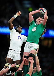 Donnacha Ryan of Ireland wins the ball at a lineout - Mandatory byline: Patrick Khachfe/JMP - 07966 386802 - 27/02/2016 - RUGBY UNION - Twickenham Stadium - London, England - England v Ireland - RBS Six Nations.