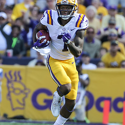 Oct 14, 2017; Baton Rouge, LA, USA; LSU Tigers wide receiver D.J. Chark (7) runs after a catch against the Auburn Tigers during the first half of a game at Tiger Stadium. Mandatory Credit: Derick E. Hingle-USA TODAY Sports