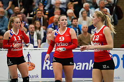 20170430 NED: Eredivisie, VC Sneek - Sliedrecht Sport: Sneek<br />Roos van Wijnen (11) of VC Sneek, Nienke Tromp (9) of VC Sneek, Monique Volkers (12) of VC Sneek <br />&copy;2017-FotoHoogendoorn.nl / Pim Waslander