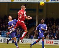Photo: Alan Crowhurst.<br />Gillingham v Swindon Town. Coca Cola League 1. 14/01/2006. <br />Swindon's Charlie Comyn-Platt goes close with a header.