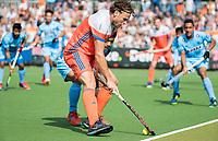 WAALWIJK -  RABO SUPER SERIE . Bob de Voogd (Ned) , die zijn 100e interland speelde ,   tijdens  de hockeyinterland heren  Nederland-India (3-4),  ter voorbereiding van het EK,  dat vrijdag 18/8 begint.  COPYRIGHT KOEN SUYK