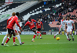 Bristol City's Jay Emmanuel-Thomas Shoots  - Photo mandatory by-line: Joe Meredith/JMP - Mobile: 07966 386802 - 07/02/2015 - SPORT - Football - Milton Keynes - Stadium MK - MK Dons v Bristol City - Sky Bet League One