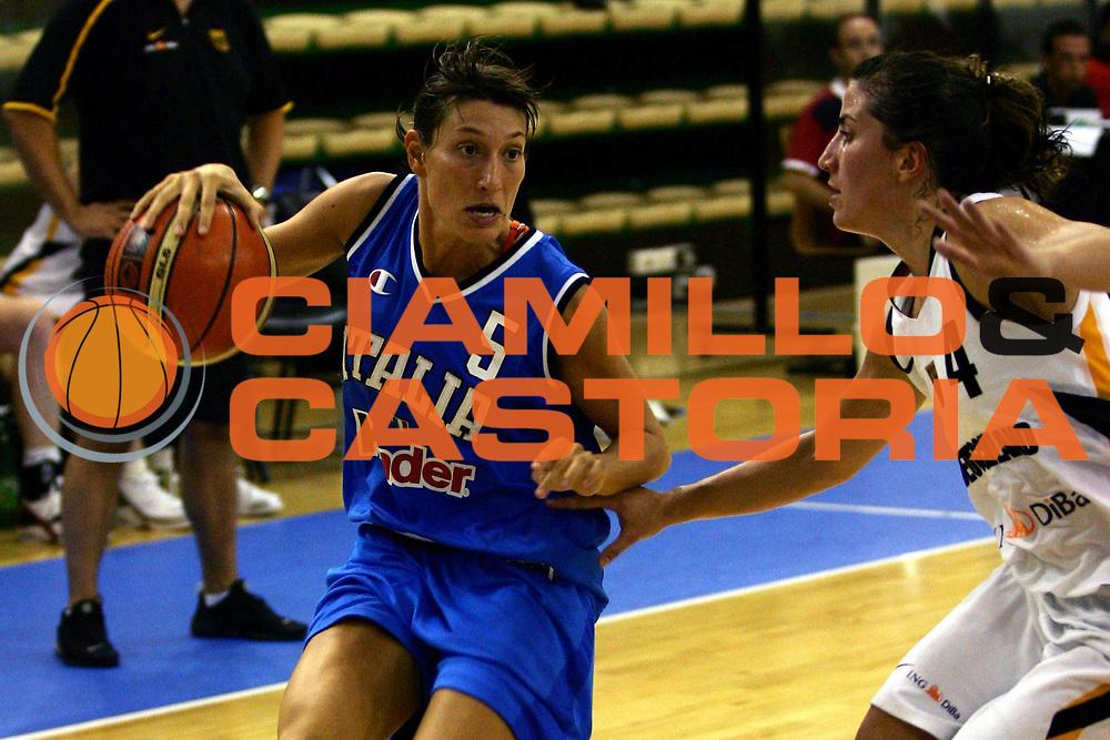 DESCRIZIONE : Chieti Torneo Internazionale Basket Femminile 10 Nazioni Italia Germania<br /> GIOCATORE : Modica<br /> SQUADRA : Italia<br /> EVENTO : Torneo Internazionale Basket Femminile 10 Nazioni<br /> GARA : Italia Germania<br /> DATA : 17/08/2006<br /> CATEGORIA : Palleggio<br /> SPORT : Pallacanestro<br /> AUTORE : Agenzia Ciamillo-Castoria/L.Lussoso