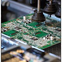 Viasat group, stabilimento di Venaria Reale (TO), linea interna di produzione industriale di schede e moduli elettronici per prodotti e servizi di localizzazione satellitare.
