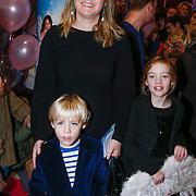 NLD/Amsterdam/20121209 - Premiere K3 Bengeltjes, Melanie Schultz van Haegen en kinderen Philippa Zara en Casijn Haro Casimir