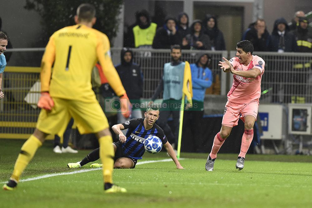 صور مباراة : إنتر ميلان - برشلونة 1-1 ( 06-11-2018 )  20181106-zaa-a181-419