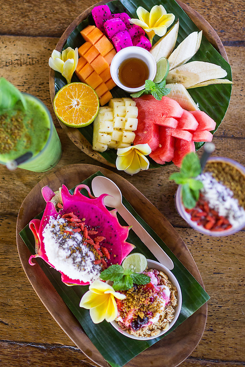 Be Buah Naga, Happy Fruits Salad, Power and Berryripe Smoothie.