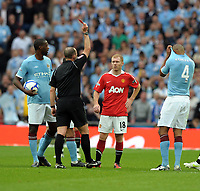 Paul Scholes is shown the Red Card by Referee<br />